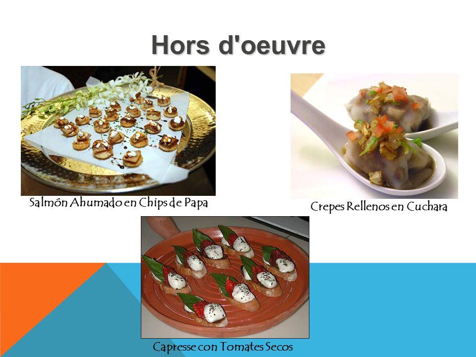Hors d'oeuvre Salmón Ahumado en Chips de Papa Crepes Rellenos en Cuchara Capresse con Tomates Secos