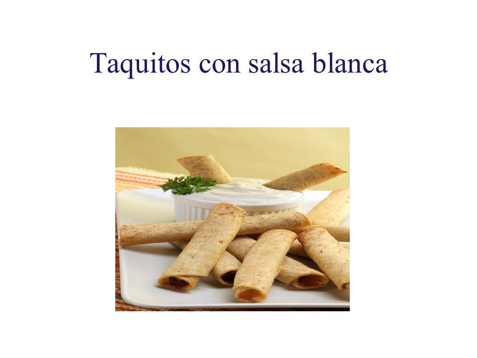 Taquitos con salsa blanca