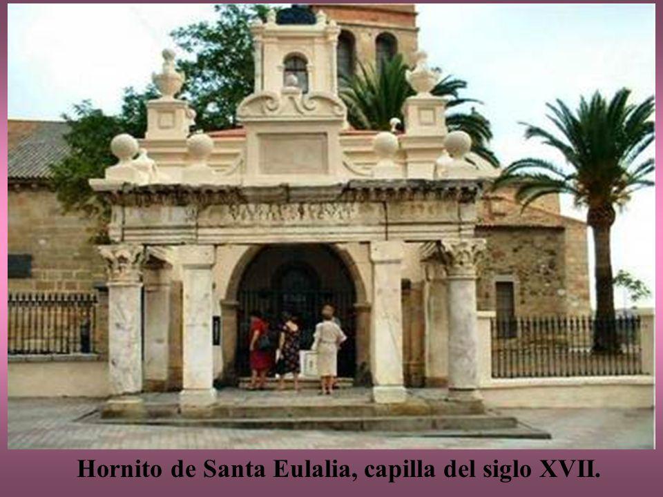 Basílica de Santa Eulalia El templo actual se levantó en el siglo XIII, sobre la misma planta de la basílica original y reaprovechando algunos materiales, tras la reconquista de Mérida por Alfonso IX.