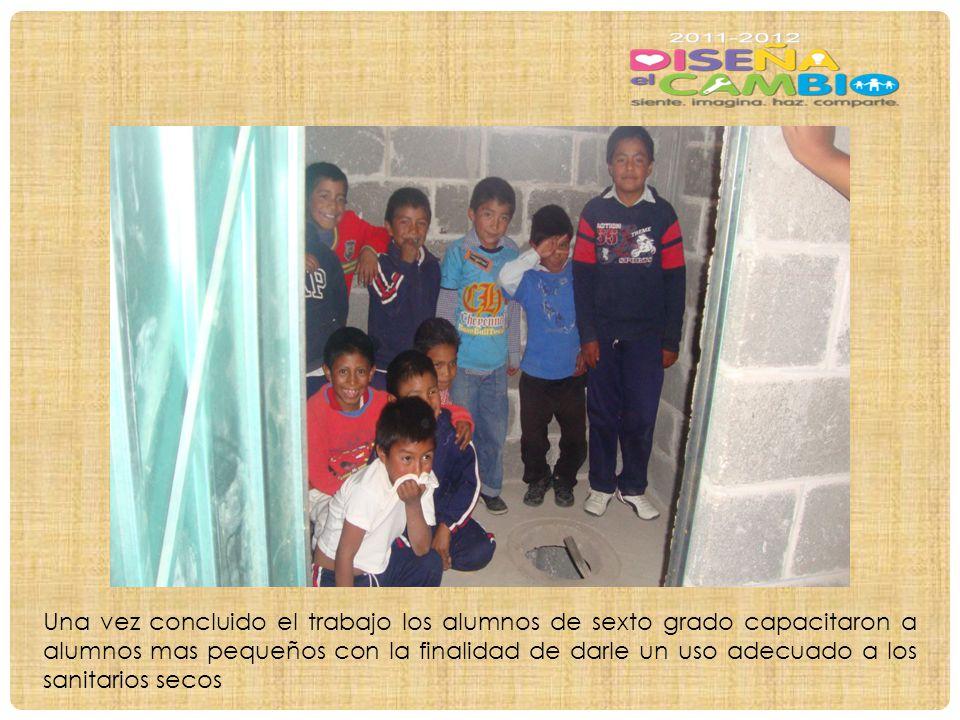 Una vez concluido el trabajo los alumnos de sexto grado capacitaron a alumnos mas pequeños con la finalidad de darle un uso adecuado a los sanitarios secos