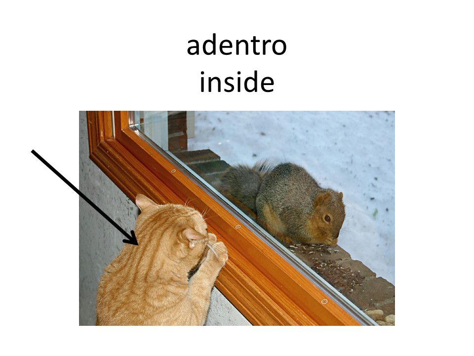entre (in) between