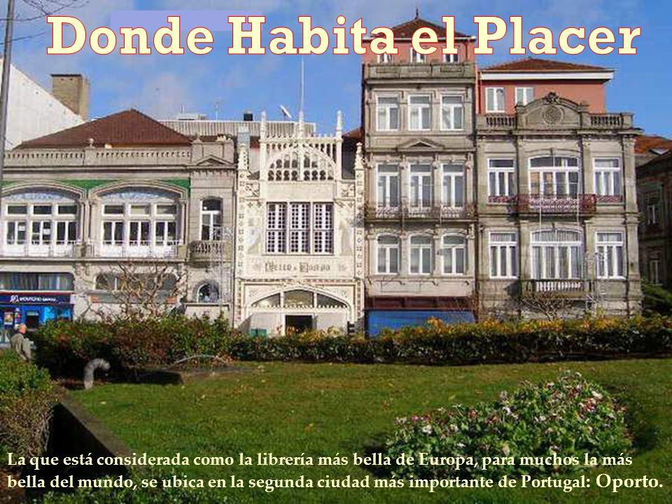 La que está considerada como la librería más bella de Europa, para muchos la más bella del mundo, se ubica en la segunda ciudad más importante de Portugal : Oporto.