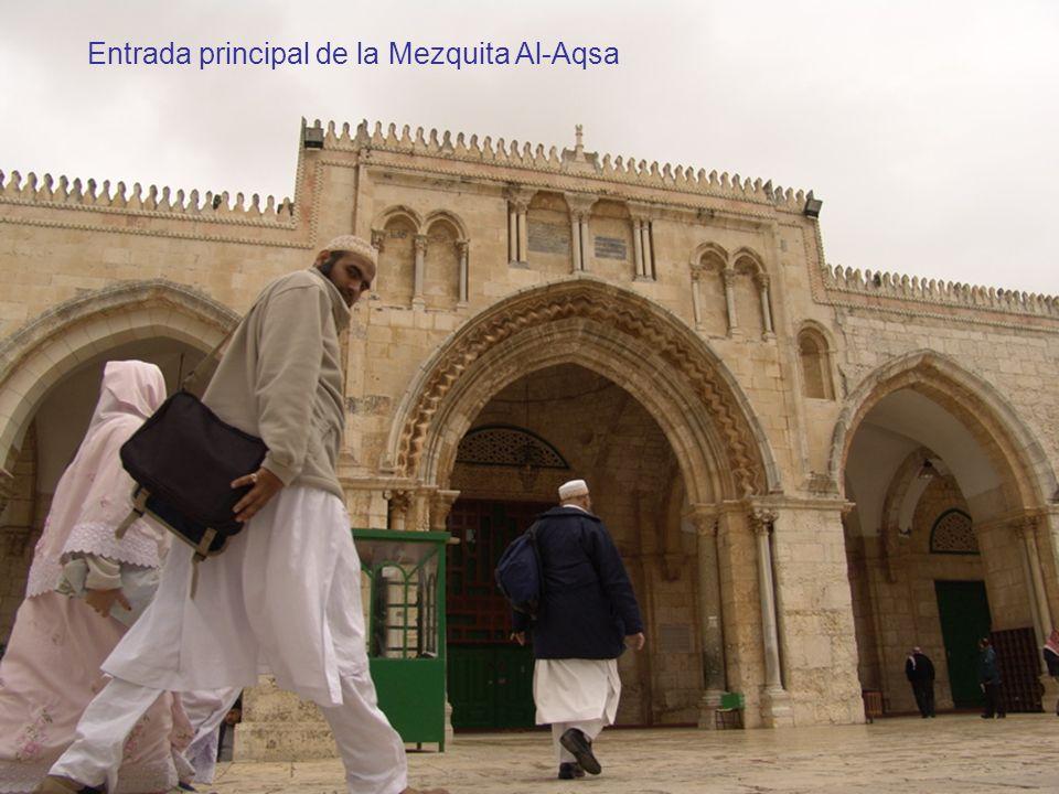 Entrada principal de la Mezquita Al-Aqsa