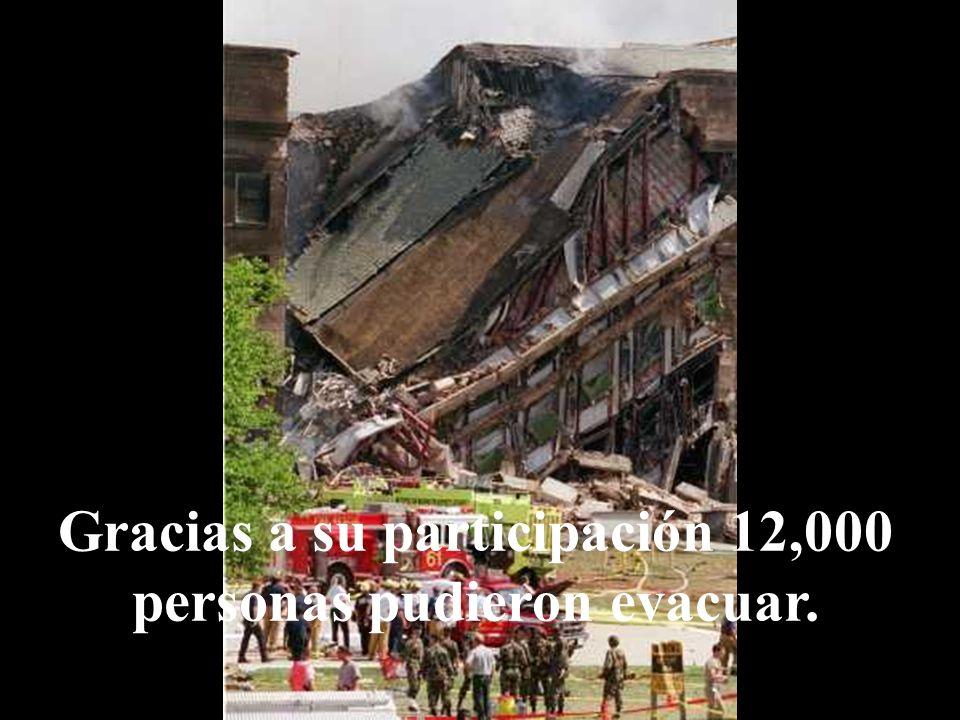 Fue tanto el esfuerzo que hizo abrazando las dos construcciones, que ninguno de los pisos superiores al lugar del impacto se derrumbó, sino hasta much
