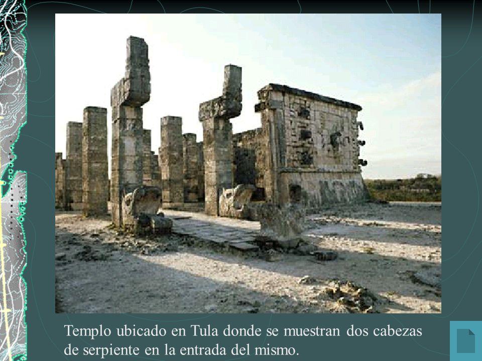 Templo ubicado en Tula donde se muestran dos cabezas de serpiente en la entrada del mismo.