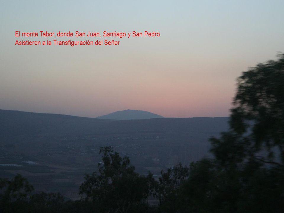 El monte Tabor, donde San Juan, Santiago y San Pedro Asistieron a la Transfiguración del Señor