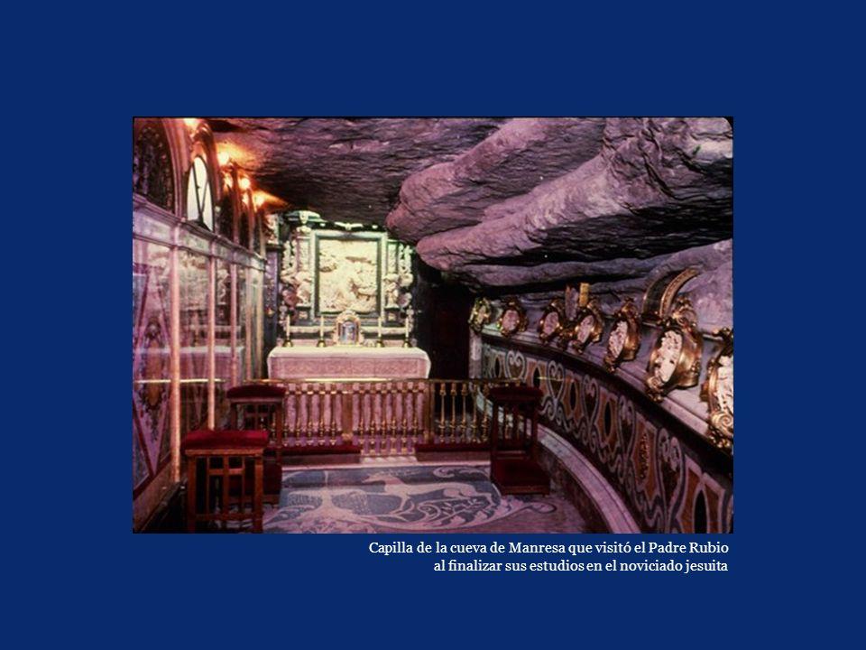 Capilla de la cueva de Manresa que visitó el Padre Rubio al finalizar sus estudios en el noviciado jesuita