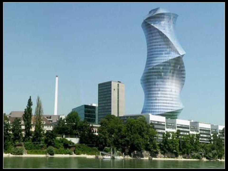 La ciudad cuenta con la construcción habitada más alta de Suiza, la Basler Messerturm (Torre de Ferias de Basilea) que tiene 105 metros de altura.