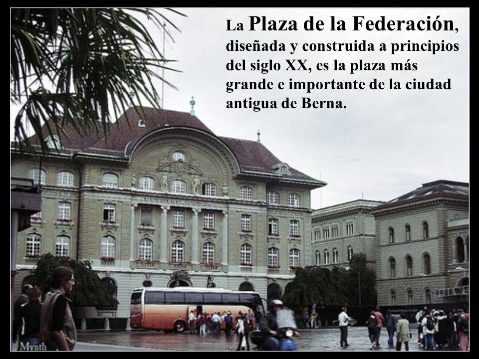 Palacio Federal de Berna, sede del gobierno suizo La Plaza de la Federación, diseñada y construida a principios del siglo XX, es la plaza más grande e importante de la ciudad antigua de Berna.