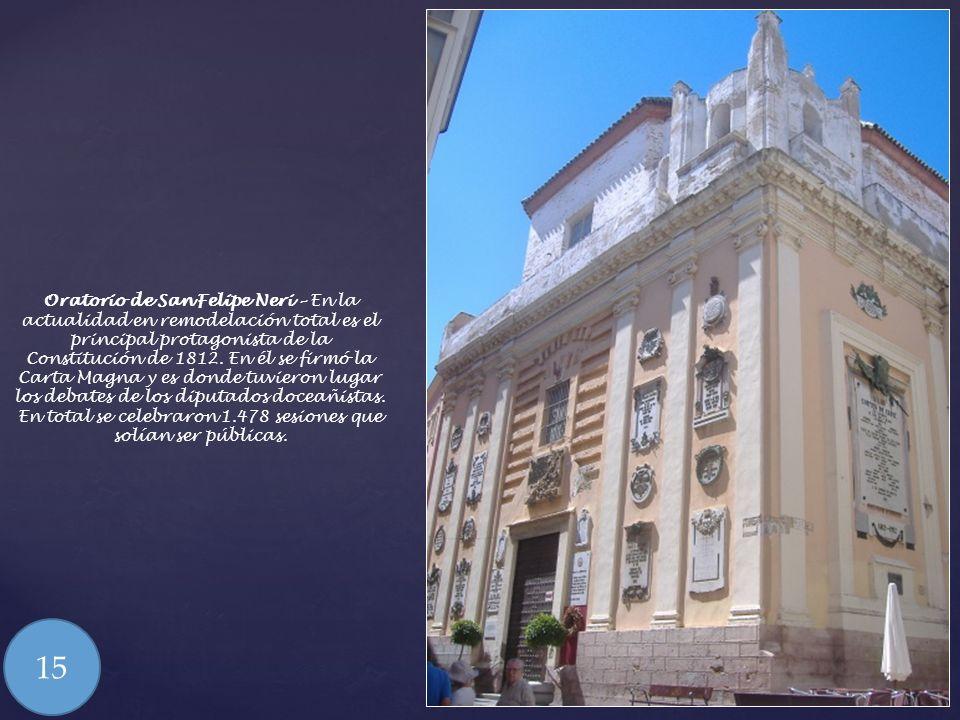 Iglesia de San Antonio - Portada de estilo barroco con una hornacina con la imagen del Santo titular