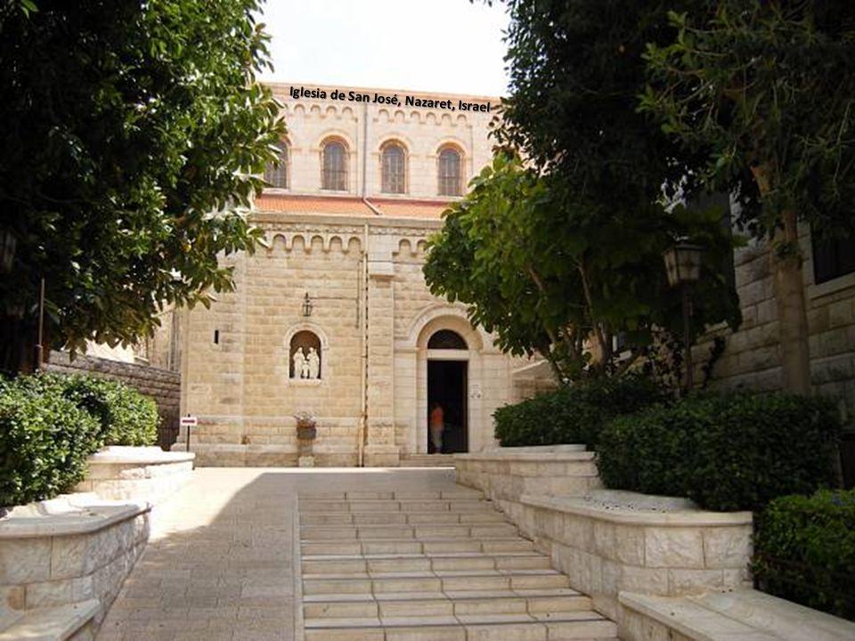 Sábado, 22 de Febrero de 201440 Exterior de la Basílica de la Anunciación, Nazaret, Israel