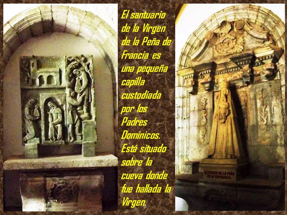 La cumbre de la Peña de Francia, con su monasterio dedicado a la Virgen de esta advocación, es un excelente mirador natural desde donde se puede conte