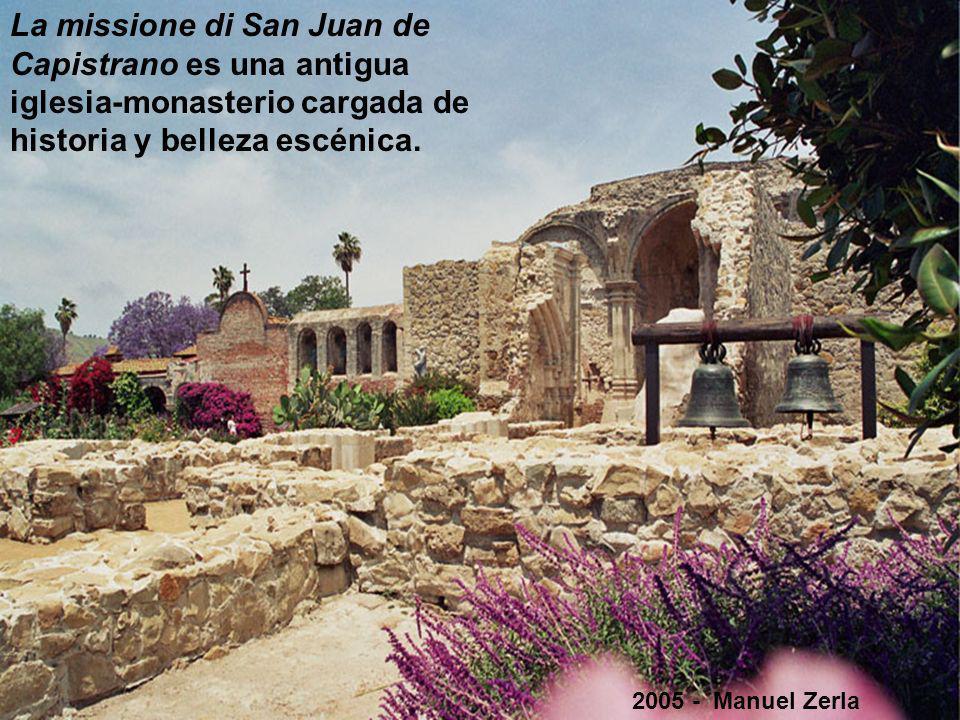 La Misión San Juan de Capistrano está situada en el histórico centro de San Juan Capistrano, condado de Orange - California.
