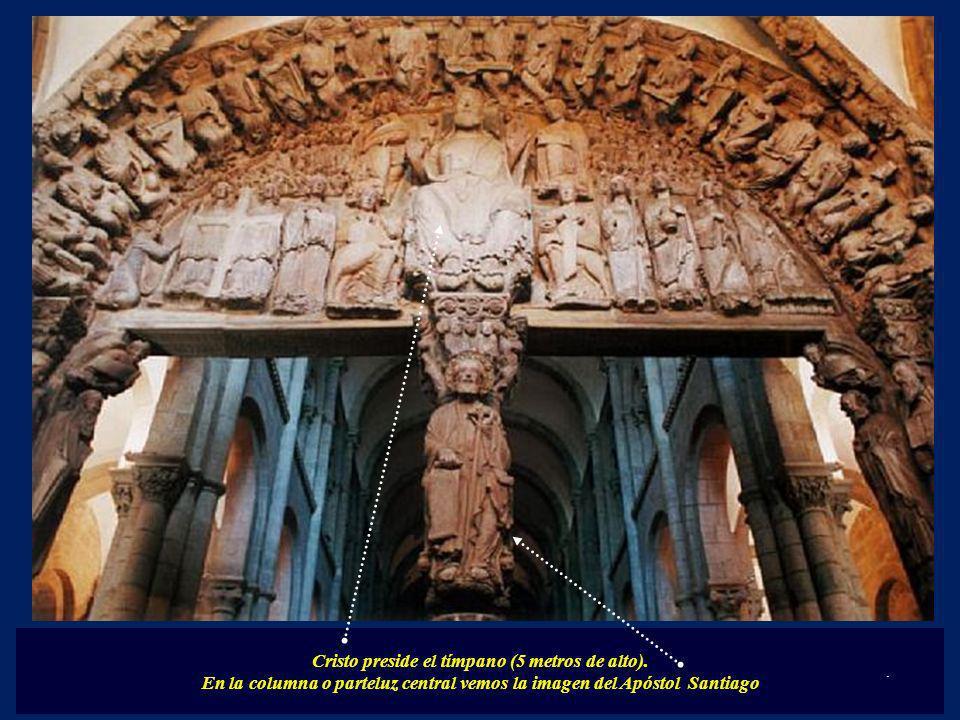 Cristo preside el tímpano (5 metros de alto).