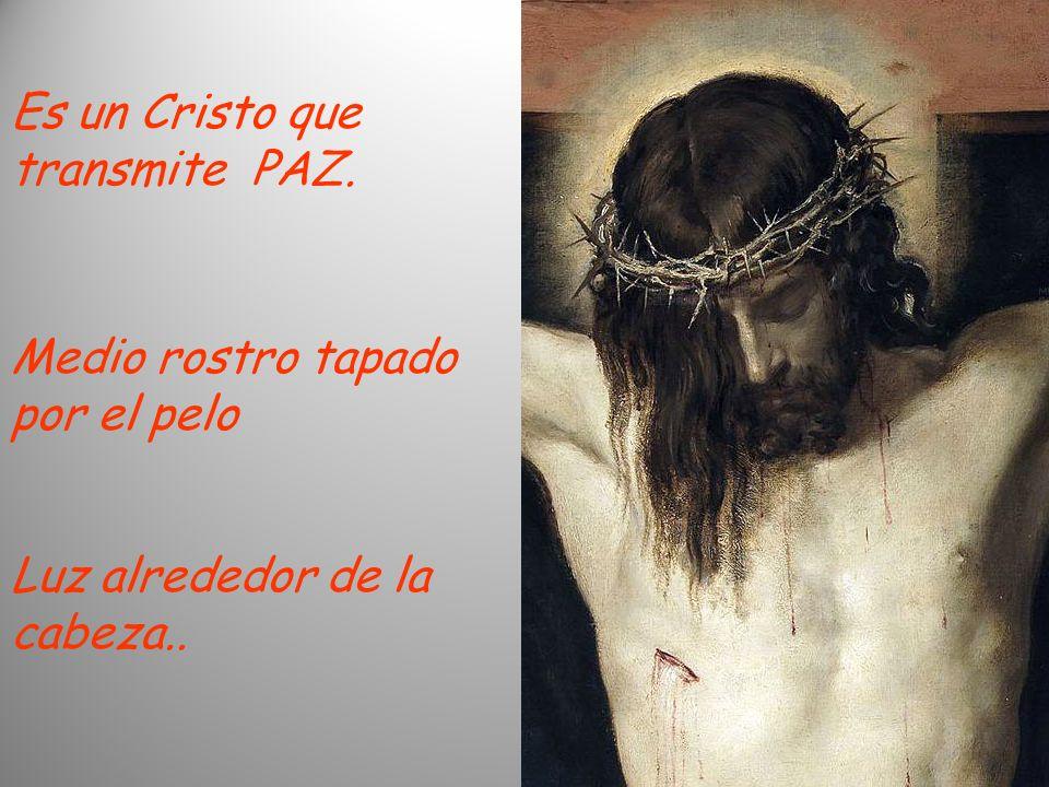 Es un Cristo que transmite PAZ. Medio rostro tapado por el pelo Luz alrededor de la cabeza..