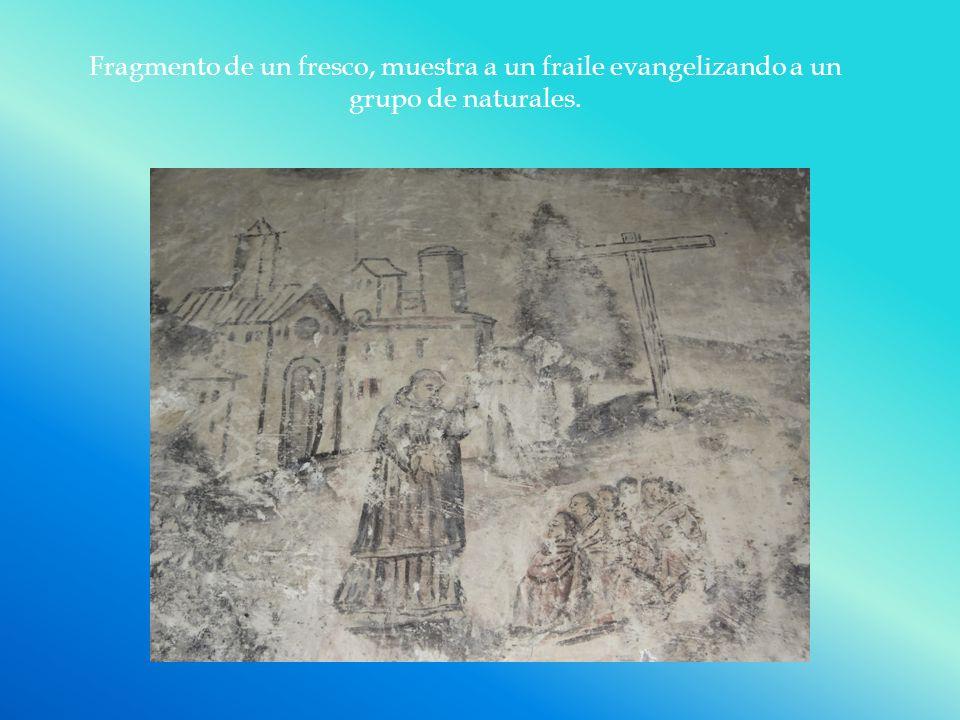Fragmento de un fresco, muestra a un fraile evangelizando a un grupo de naturales.