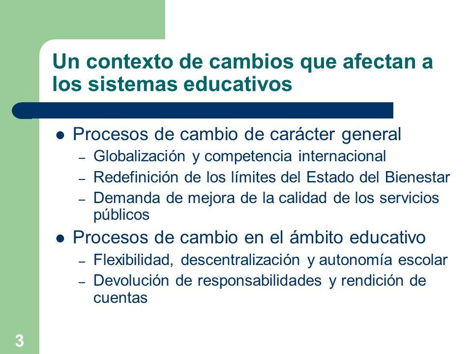 4 Una consecuencia: el desarrollo de la evaluación de la educación Distinción entre evaluación en y de la educación – La evaluación, tarea consustancial a la educación – Transformaciones recientes Progresiva expansión de los ámbitos de evaluación – Evaluación de los aprendizajes y del currículo – Evaluación de los programas educativos – Evaluación de los centros docentes y de las universidades – Evaluación internacional del rendimiento – Evaluación general de los sistemas educativos Constitución de los sistemas nacionales de evaluación – Creación de institutos y agencias de evaluación