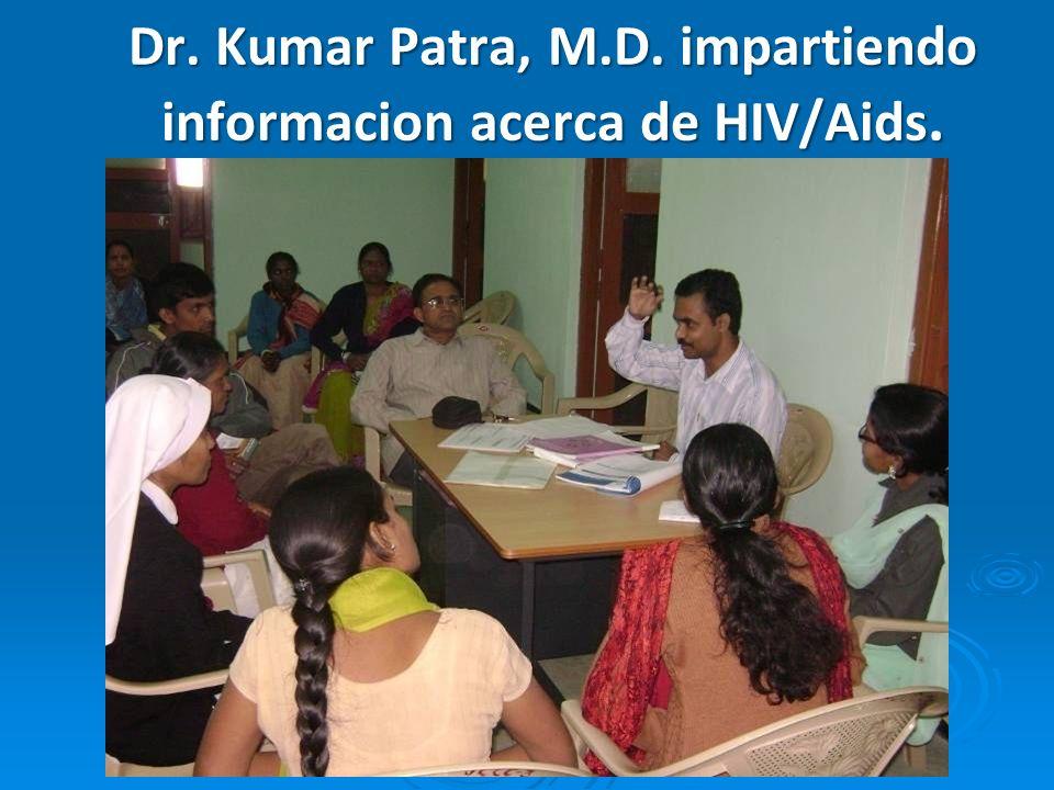 El Personal del Jyothi Hopital, Centro de Atención Comunitaria, cuidando los enfermos de, HIV/AIDS.