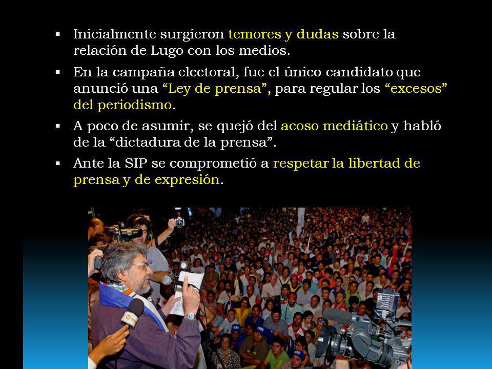 Inicialmente surgieron temores y dudas sobre la relación de Lugo con los medios. En la campaña electoral, fue el único candidato que anunció una Ley d