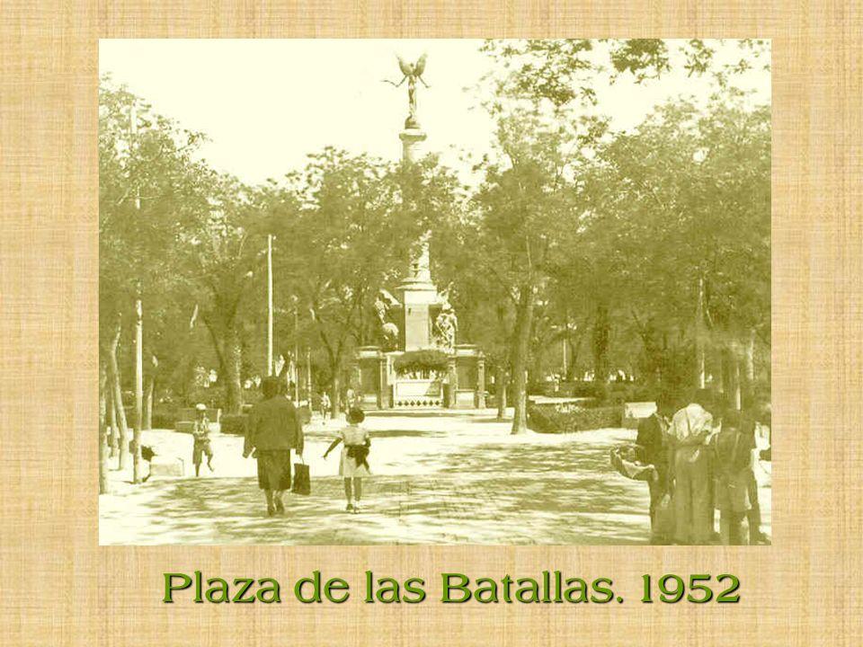 Plaza de las Palmeras. (De José Antonio). 1956