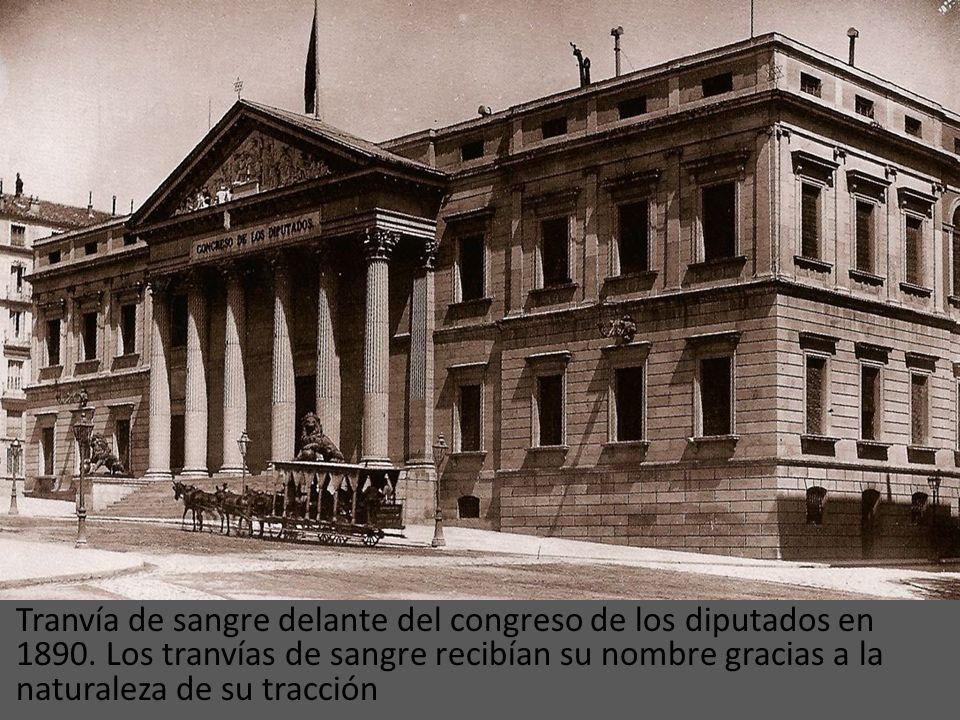 La primera línea de tranvía que tuvo la ciudad fue inaugurada el 31 de mayo de 1871. La línea era gestionada por la llamada Compañía del Tranvía de Ma