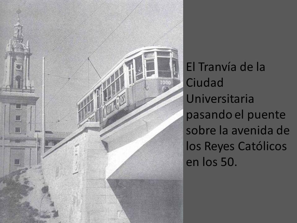 Tranvía abarrotado por el Paseo de la Castellana en 1941