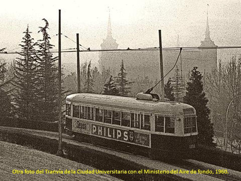 Tranvía de la Ciudad Universitaria en 1960.