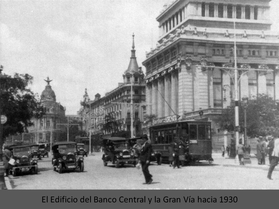Tranvía por la calle de Toledo en 1890 El 28 de mayo de 1952, hubo un accidente que sufrió un tranvía en la calle de Toledo que bien sea porque sucedi