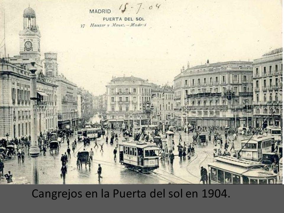 Un Cangrejo por la Puerta de Toledo (1901). Cangrejo llamaban nuestros antepasados a los tranvías eléctricos de la marca Siemens-Schuckert debido a qu