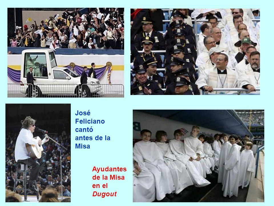 José Feliciano cantó antes de la Misa Ayudantes de la Misa en el Dugout