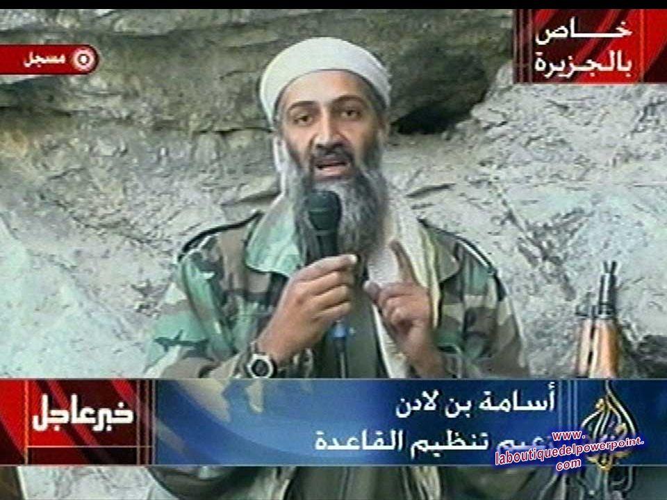 Osama bin Laden es visto en un lugar secreto en esta imagen de al-Jazeera televisión en este 7 de octubre 2001 Bin Laden alaba a Dios por los atentado