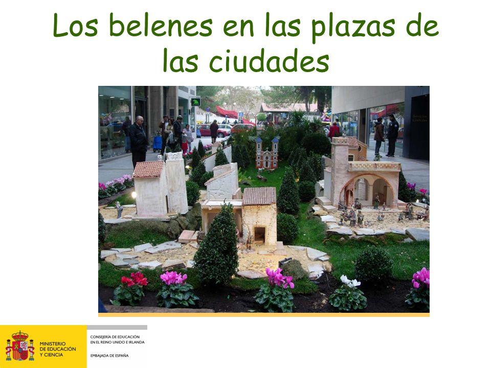 La Nochevieja Las uvas de la suerte La Puerta del Sol en Madrid Las 12 campanadas 31 Diciembre