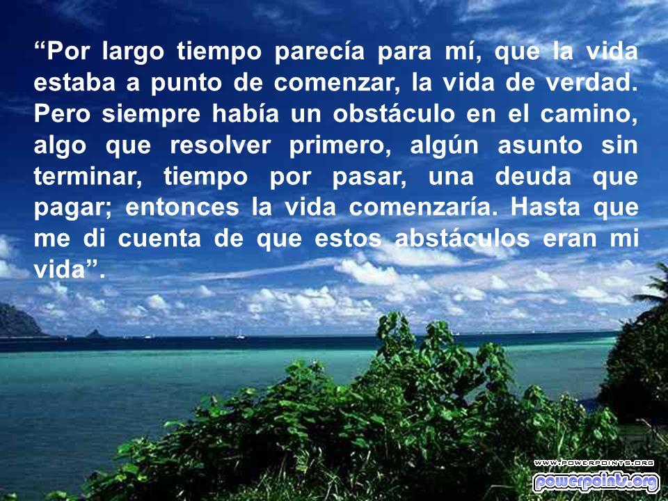 La verdad es que no hay mejor momento para ser felices que ahora. ¿Si no es ahora, entonces cuándo? Una de mis frases favoritas es de Alfred de Souza.