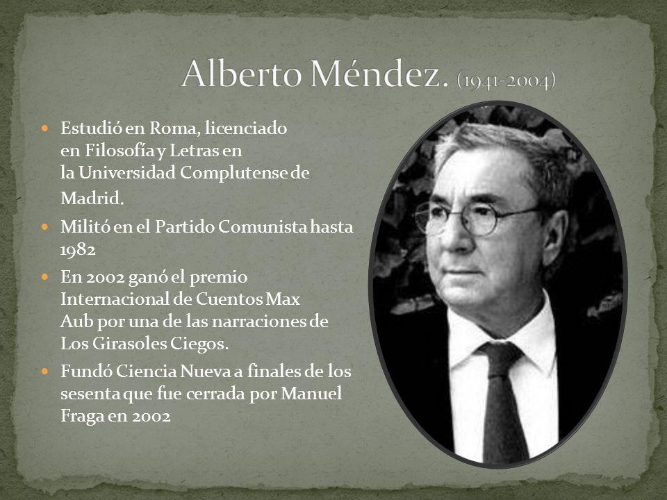 Estudió en Roma, licenciado en Filosofía y Letras en la Universidad Complutense de Madrid. Militó en el Partido Comunista hasta 1982 En 2002 ganó el p