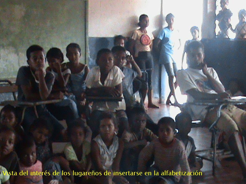 Vista del interés de los lugareños de insertarse en la alfabetización