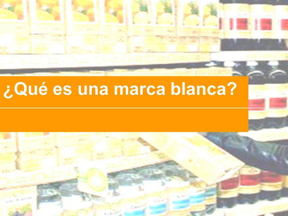 Definición de Marca Blanca Productos que ofrecen las cadenas de distribución (supermercados normalmente), con la marca del propio establecimiento y sin especificar el fabricante, vendiéndolo a un precio inferior que el de las marcas conocidas.