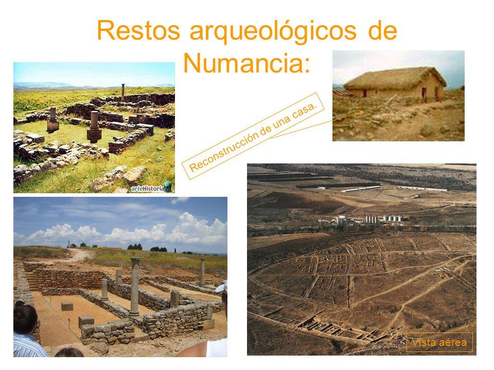 Restos arqueológicos de Numancia: Reconstrucción de una casa. Vista aérea
