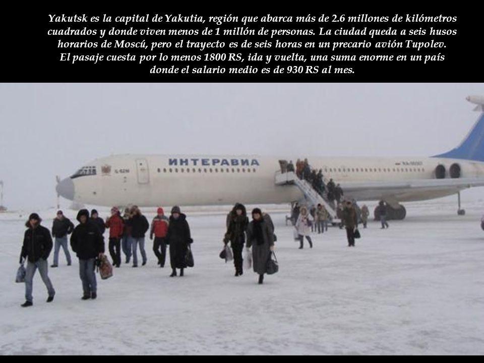 Yakutsk es la capital de Yakutia, región que abarca más de 2.6 millones de kilómetros cuadrados y donde viven menos de 1 millón de personas.