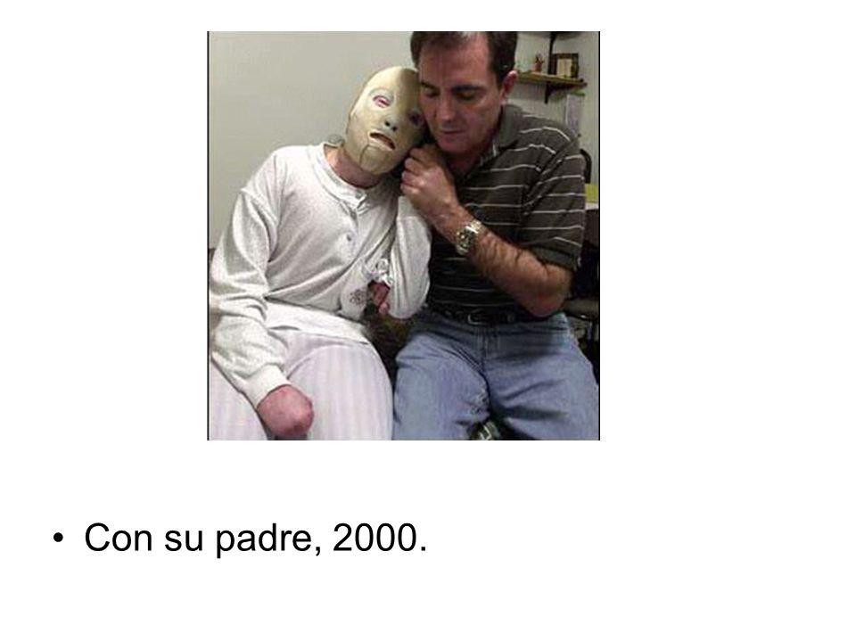 Con su padre, 2000.