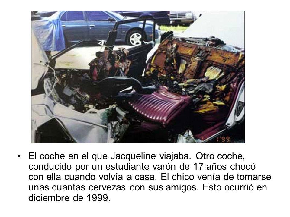 El coche en el que Jacqueline viajaba. Otro coche, conducido por un estudiante varón de 17 años chocó con ella cuando volvía a casa. El chico venía de
