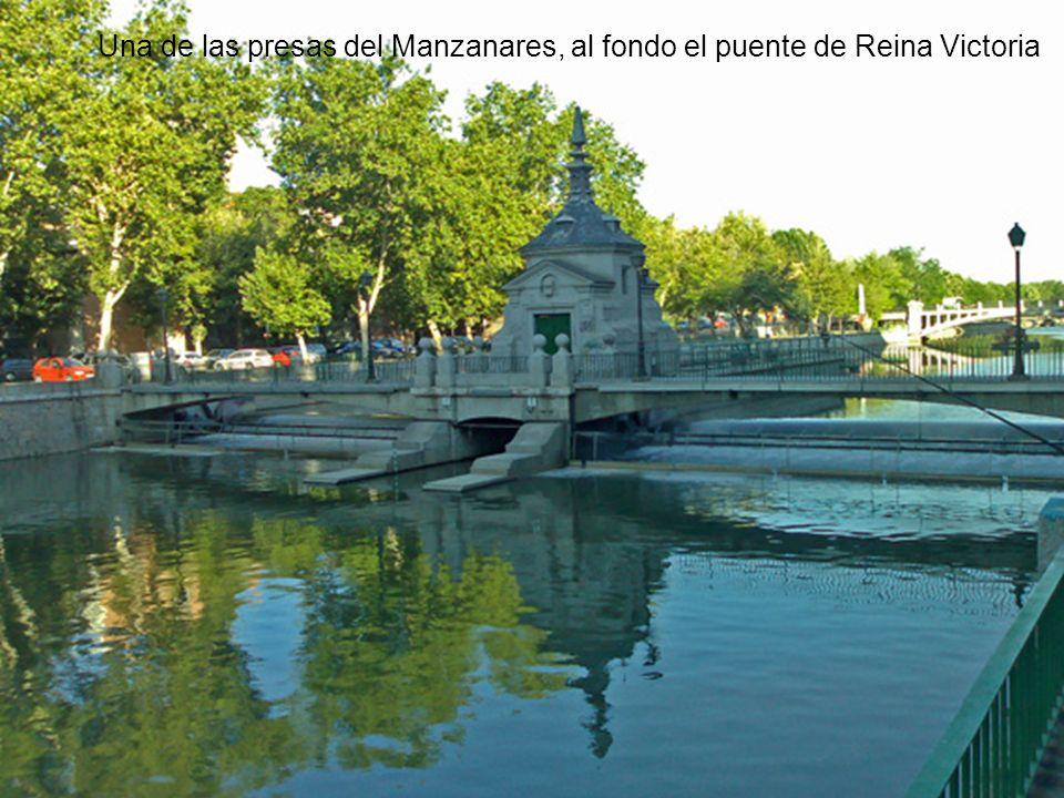 Río Manzanares a su paso por el puente de la Reina Victoria
