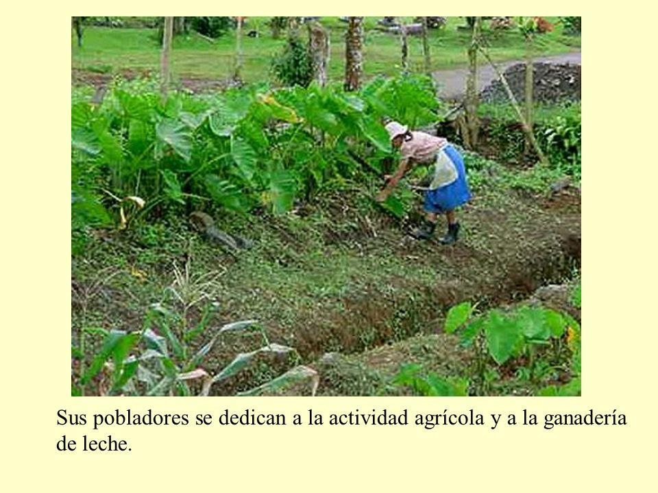 Sus pobladores se dedican a la actividad agrícola y a la ganadería de leche.