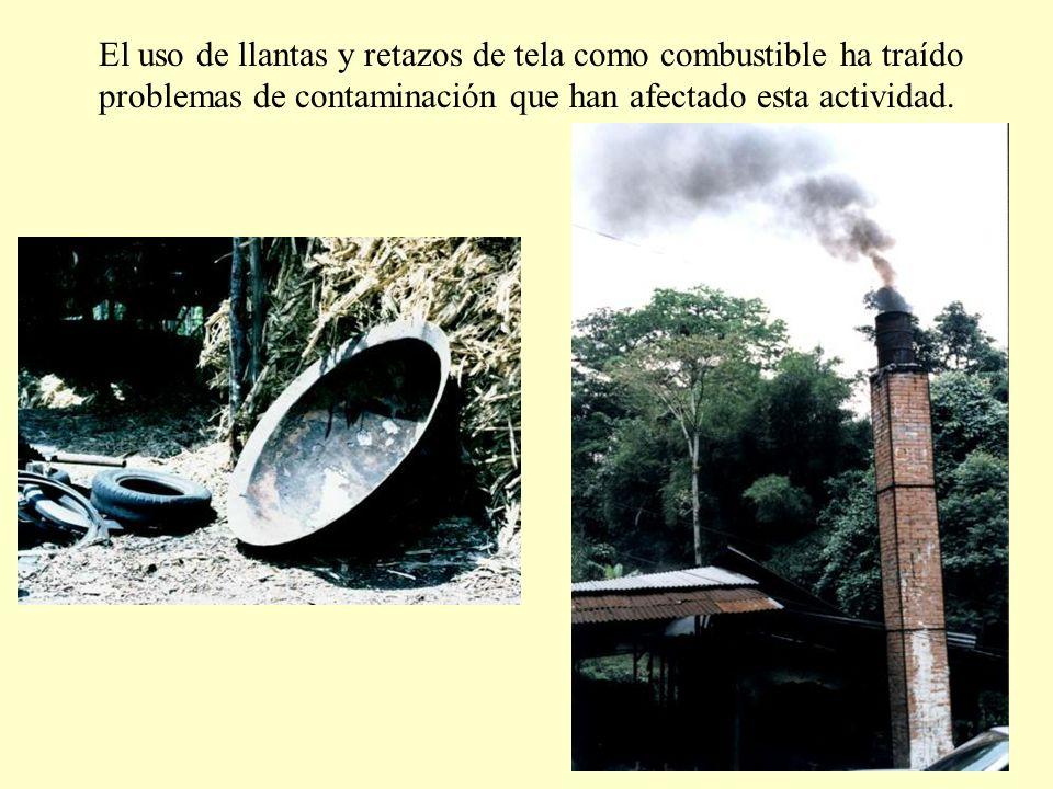 El uso de llantas y retazos de tela como combustible ha traído problemas de contaminación que han afectado esta actividad.