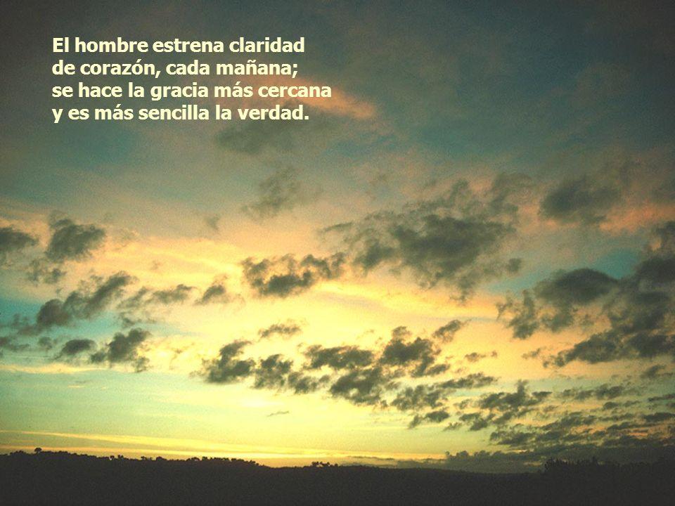 El sol, con lanza luminosa, rompe la noche y abre el día; bajo su alegre travesía, vuelve el color a cada cosa.