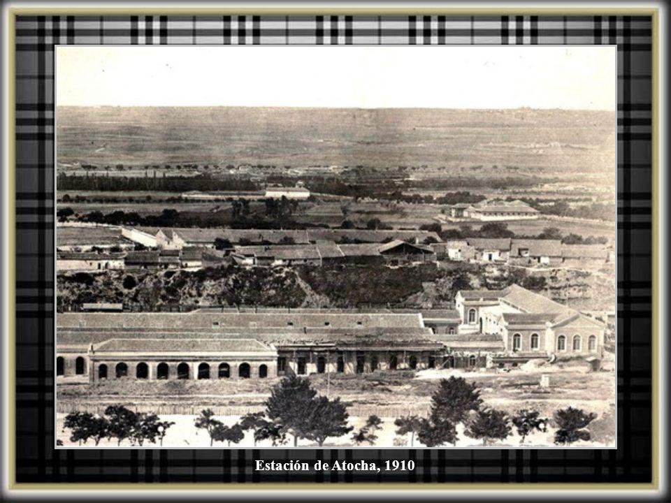Atocha, vista general de las instalaciones de la Estación, 1863