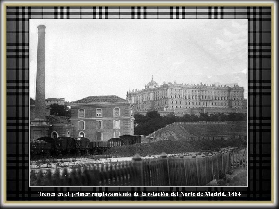 Llegada a la estación del Norte de un tren especial procedente de Ginebra con cuadros del Museo del Prado, entre ellos las Meninas y la Maja desnuda, 9 septiembre 1939