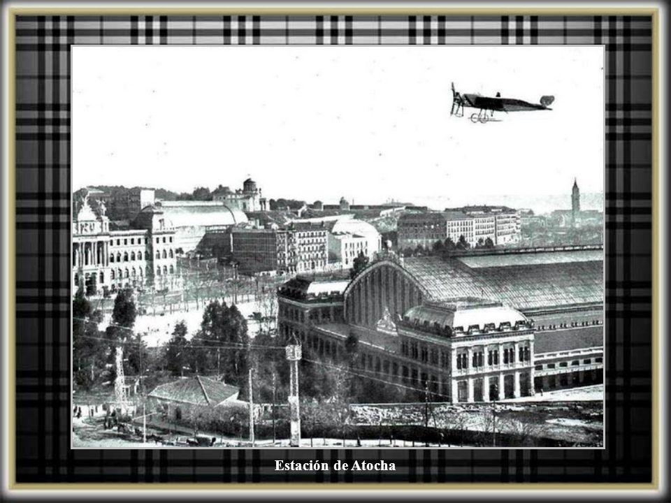 Vista general de la Estación del Mediodia. El primer cambio de la estación se realiza antepo- niendo un nuevo edificio para M.Z.A. que proyectó el arq