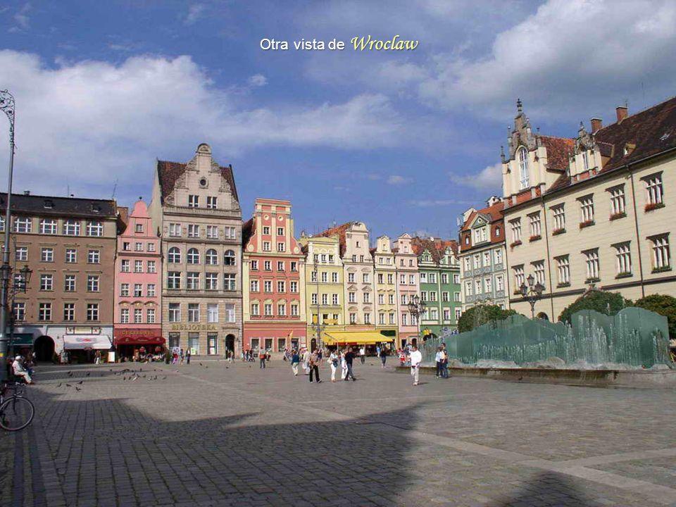 Wroclaw 4ª ciudad de Polonia en importancia, con 630.000 habitantes.