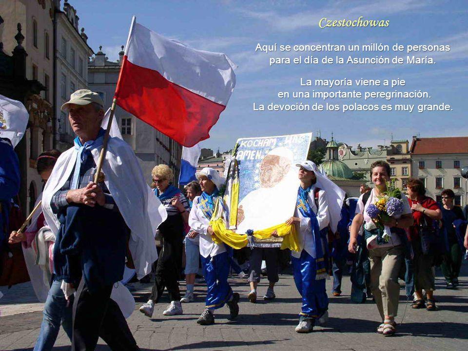 Czestochowas Aquí se concentran un millón de personas para el día de la Asunción de María.