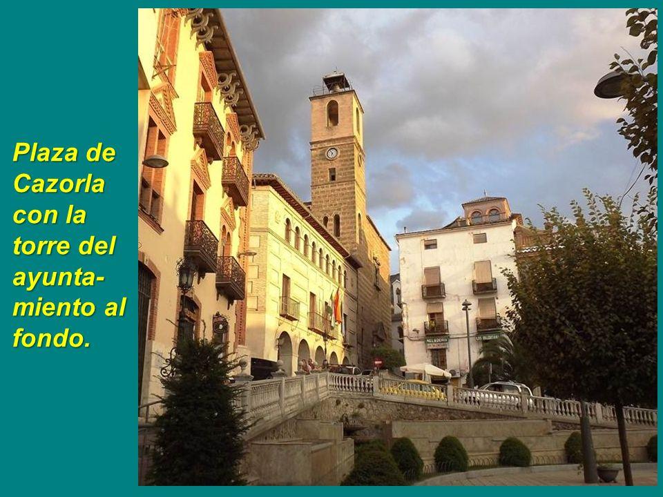 Ayuntamiento. Antiguamente fue el convento de la Merced del siglo XVI.